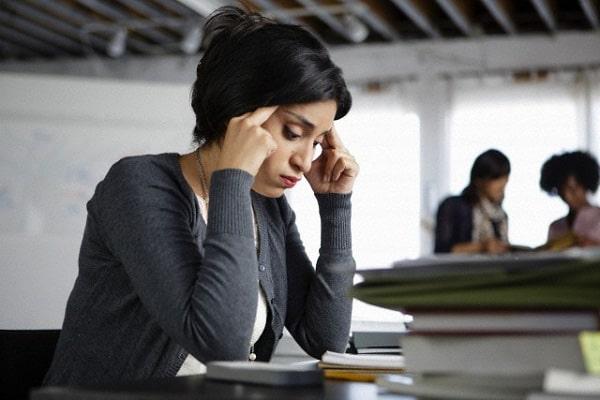 Cuộc sống của chị Thủy gặp nhiều áp lực văn phòng