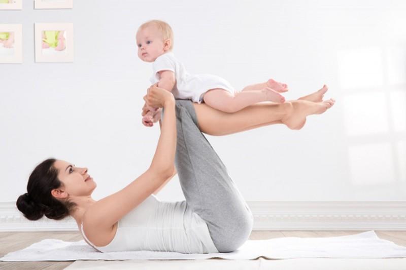 Bài tập thể dục săn chắc vòng 1 sau sinh được rất nhiều chị em áp dụng
