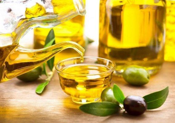 Dầu oliu cung cấp nhiều vitamin E