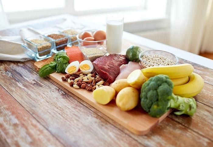 Trong thực đơn hàng ngày cần bổ sung nhiều thực phẩm tốt cho vòng 1