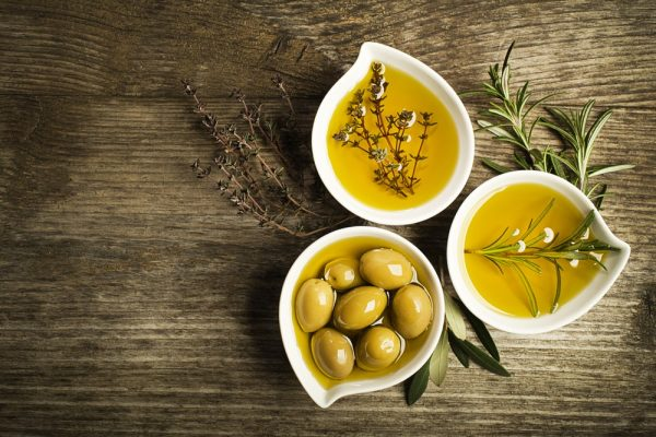 Dầu oliu chứa nhiều estrogen tốt cho cơ thể nữ giới
