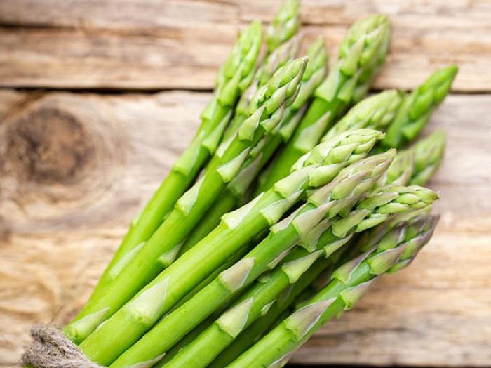 Măng tây là rau xanh đứng đầu trong danh sách bệnh trào ngược dạ dày nên ăn gì?