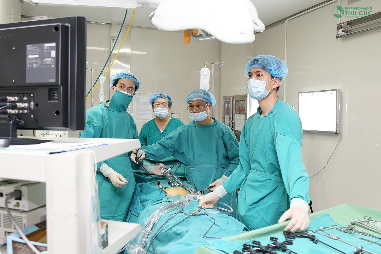 Phương pháp mổ nội soi u nang buồng trứng sẽ để lại ít biến chứng hơn
