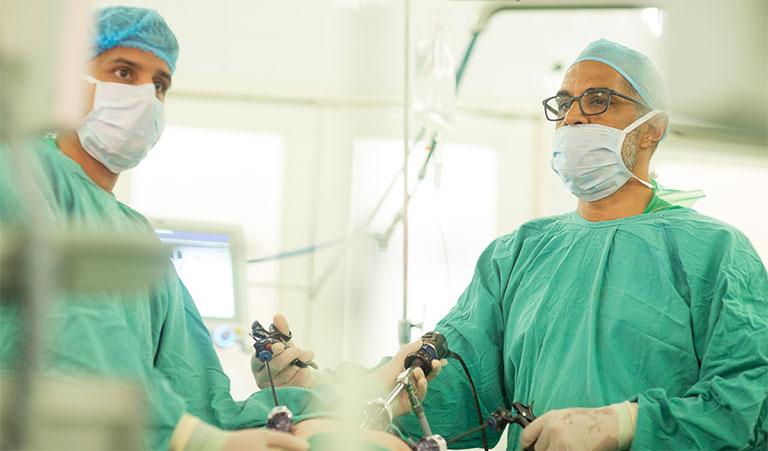 Phương pháp điều trị phẫu thuật có thể sẽ để lại nhiều biến chứng nghiêm trọng