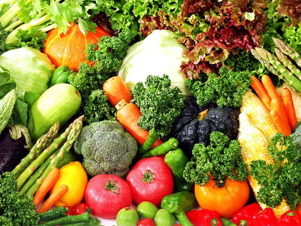 Tăng cường rau xanh trong chế độ ăn hàng ngày giúp phòng chống bệnh u xơ tử cung