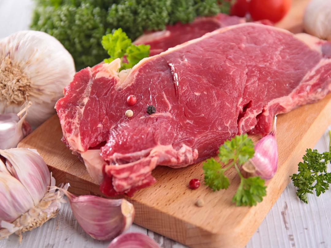 Người mắc bệnh u xơ tử cung nên tránh ăn các loại thịt đỏ