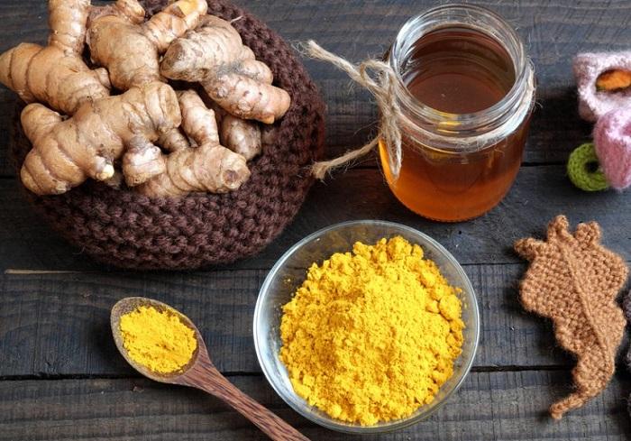 """""""Combo"""" tinh bột nghệ + mật ong là bài thuốc gia truyền giúp điều trị bệnh đau dạ dày"""